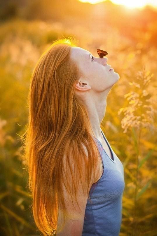 KJuGQMSXg6w - Лучшие фото мира. Сборник лучших фото - Девушка с бабочкой на носу
