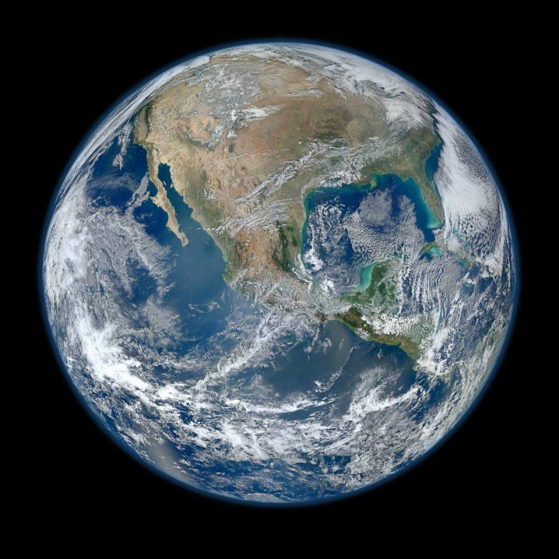 45 - Лучшие фотографии в мире - Снимок Земли из космоса | 8000*8000 пикселей, 9 мегабайт