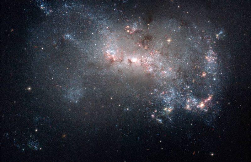 Galaxy NGC 4449 - Лучшие фото мира. Сборник лучших фото - Фото NGC 4449 — галактика в созвездии Гончие Псы | 8736*5630 пикселей | 36 мегабайт | Фотография космоса в высоком разрешении (HD)